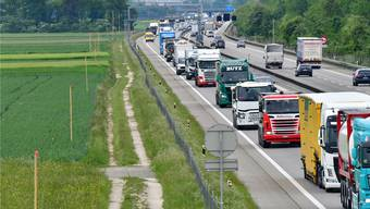 Die A1 zwischen Luterbach und Härkingen soll auf sechs Spuren ausgebaut werden.