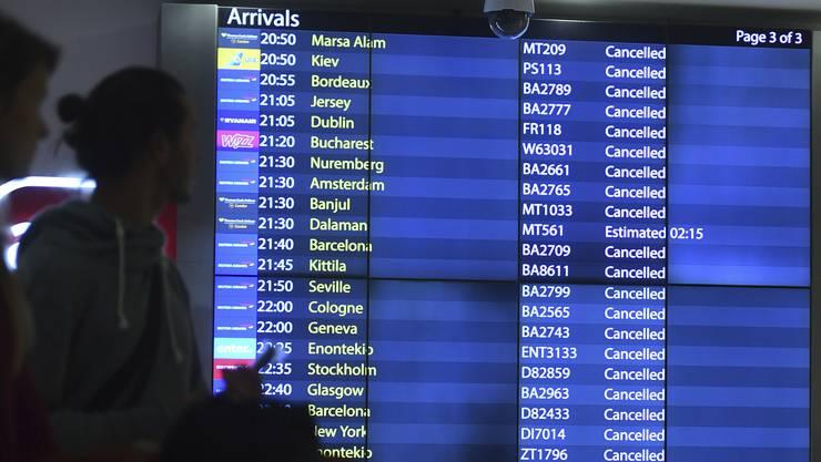 Insgesamt rund 150'000 Passagiere waren von den Flugausfällen und Umleitungen seit Mittwochabend betroffen.
