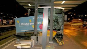 Postauto-Crash beim Bahnhof Baden