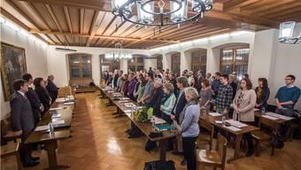 Inpflichtnahme im Rathaussaal: Die Mitglieder des Einwohnerrats an ihrer ersten Sitzung in der neuen Amtsperiode.