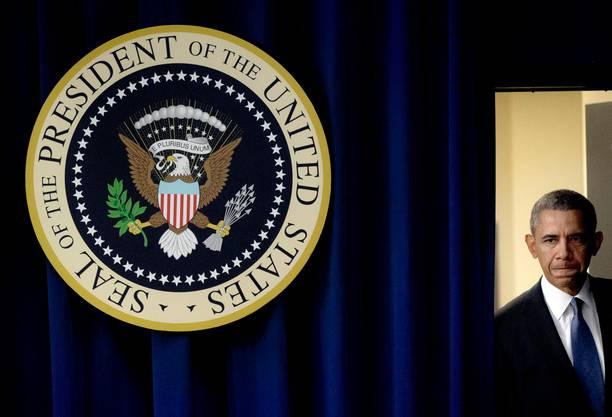 Ein sichtlich betroffener Barack Obama vor seiner Ansprache nach Bekanntwerden des Attentats.