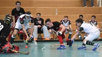 Viel Action beim Hallenhockeyturnier in Wettingen.