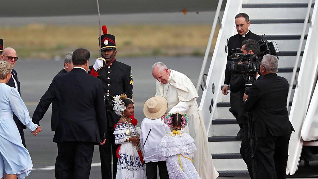 Papst Franziskus ist am Mittwoch herzlich in Panama empfangen worden.