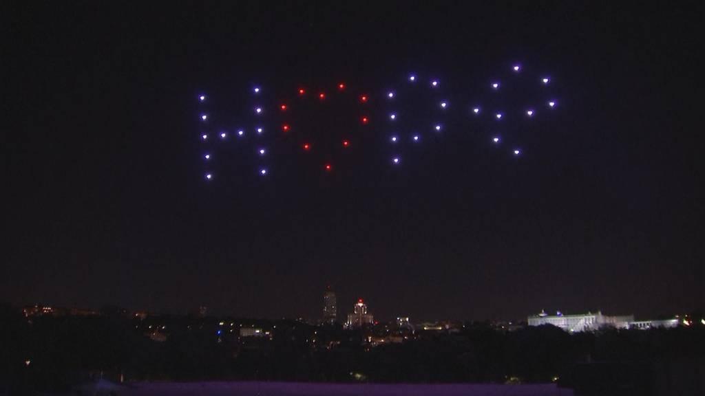 Madrid: Eine Gedenkfeier mit Drohnen