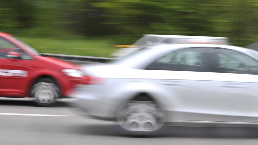 Polizei stoppt Raser auf Autobahn A1 mit 220 Kilometern pro Stunde