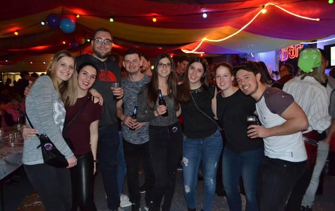 Jérémy Scheurer (22, ganz rechts) mit Freunden.