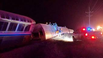 Der Zug entgleiste aus noch ungeklärten Gründen in der Nähe von Dodge City.