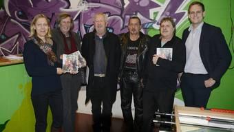 Sie haben am Jahrbuch mitgearbeitet (von links): Salome Moser, Thomas Schärli, Claude Barbey, Mario Castori, André Weyermann und Silvan Granig.