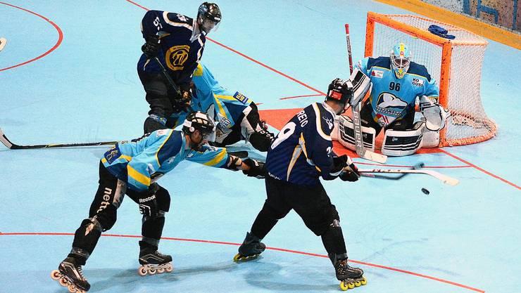 Die Laupersdörfer konnten sich im Halbfinal gegen Tuggen wie gewohnt auf ihren Goalie Sven Zürcher verlassen.