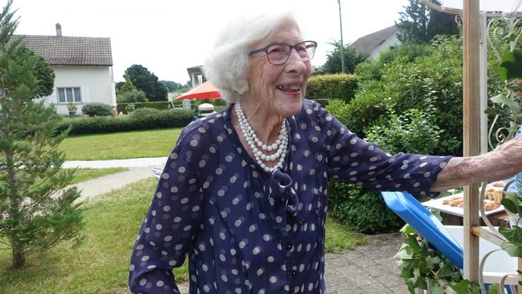 Liliane Fischer-Curti, die Sponsorin der neuen Wohlfühloase im Falkenstein, freute sich sichtlich über das gelungene Projekt.
