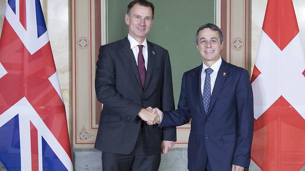 Aussenminister Ignazio Cassis und sein britischer Amtskollege Jeremy Hunt wollen die gegenseitigen Beziehungen der beiden Staaten weiter vertiefen.