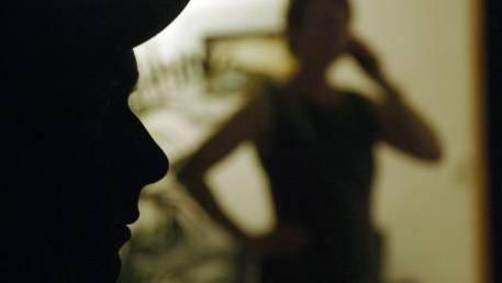 Stalking ist keine Randerscheinung, sondern ein verbreitetes Problem. Der Regierungsrat geht davon aus, dass etwa 15-18 Prozent der Frauen und 4-6 Prozent der Männer in ihrem Leben schon einmal Stalking in irgendeiner Form erlebt haben.