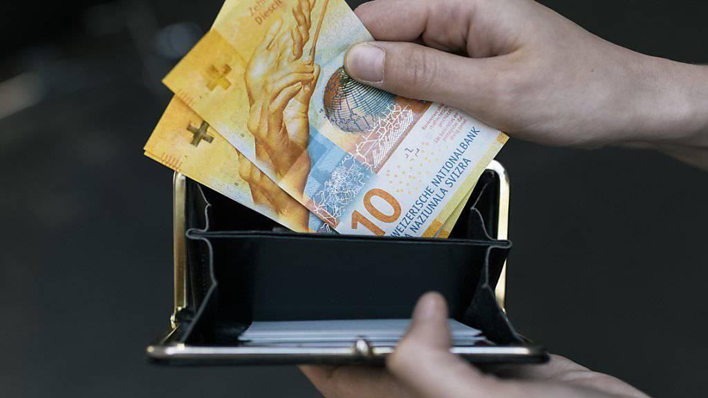 Die Teuerung in der Schweiz frisst in diesem Jahr die Lohnerhöhung weg. (Archiv)