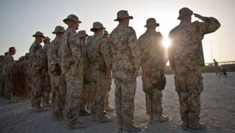 ARCHIV - Bundeswehrsoldaten ziehen sich in den nächsten Wochen aus dem afghanischen Kundus zurück Foto: Michael Kappeler/dpa