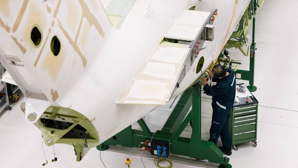 Ob die Pilatus Flugzeugwerke in Zukunft ihre exportierten Güter im Ausland warten dürfen, ist unklar.