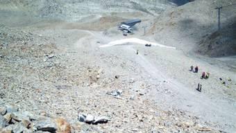 Im Gebiet Diavolezza im Kanton Graubünden ist am Freitag ein Kleinflugzeug abgestürzt, drei Personen kamen dabei ums Leben.