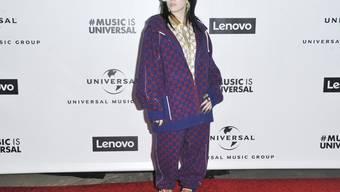 US-Musikerin Billie Eilish wird an den diesjährigen Oscars auftreten - und vielleicht den neuen Bond-Song präsentieren.