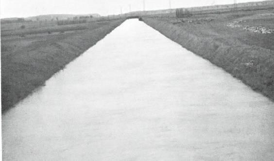 Neuer Limpachkanal bei Hochwasser (Archivbild)
