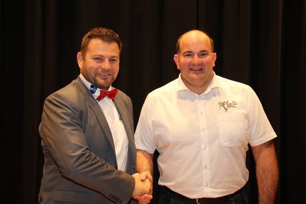 Präsident Markus Birchmeier mit dem neu gewählten TL Nachwuch Roger Schenk.JPG