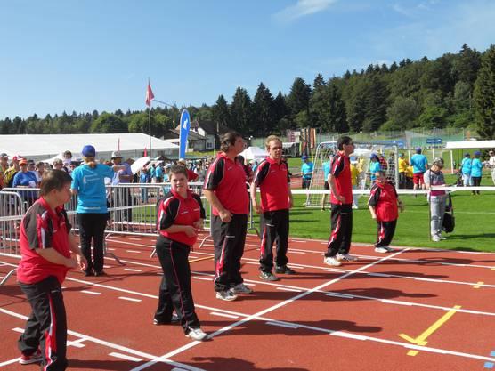 Läuferinnen und Läufer vor dem Start