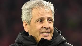Borussia Dortmund und Trainer Lucien Favre benötigten bei Augsburg einen guten Start in die Rückrunde, um den Anschluss an die Tabellenspitze nicht zu verlieren.