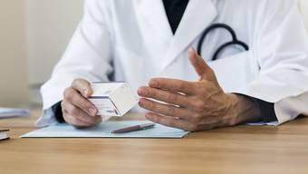 Die Ärzte haben keine Freude an den Plänen von Bundesrat Berset. (Symbolbild)