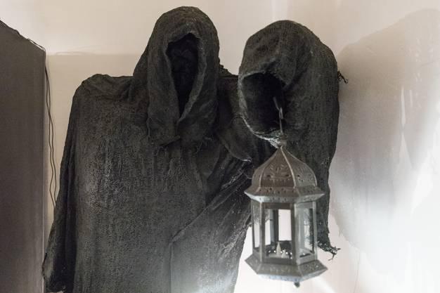 Eine furchteinflössendes Exponat, das das Schicksal der Hexen thematisiert.