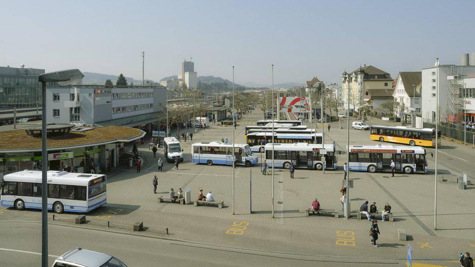 Platzmangel ist das grösste Problem auf dem Wiler Bahnhofplatz.