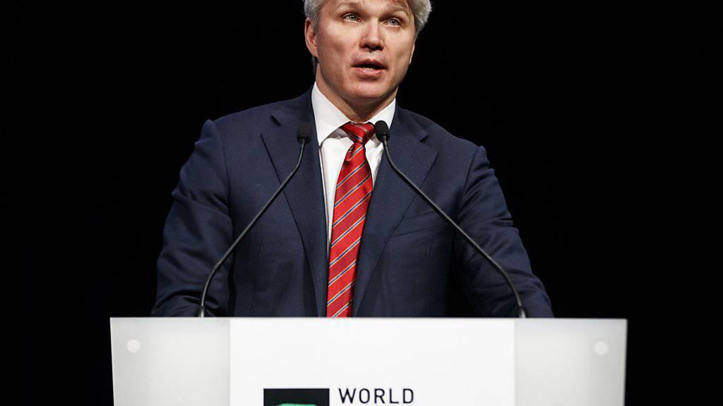 Der russische Sportminister Pawel Kolobkow, eine frühere Ikone der Degenfechter, gesteht russische Doping-Manipulationen ein