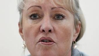 Die Bündner Finanzdirektorin Barbara Janom Steiner befindet sich nach einer Lungenembolie auf dem Weg der Besserung. (Archivbild)