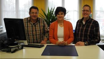 Bilden ein eingespieltes Team: der bisherige Amtsleiter Benny Heller, Madeleine Bächli und der neue Amtsleiter Beat Acklin (v.l.). mf
