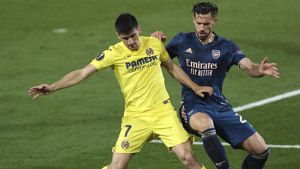 Villarreals Gerard Moreno (links) gegen Arsenals Pablo Mari
