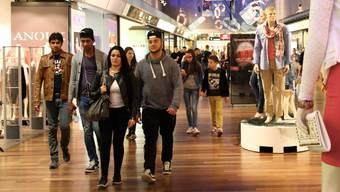 Trotz Online-Einkauf werden wir weiterhin shoppen (hier Shoppi Tivoli in Spreitenbach).