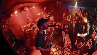 Die aus Frankreich stammende Rockband Mars Red Sky bei ihrem Konzert im Keller des «Coq d'Or».
