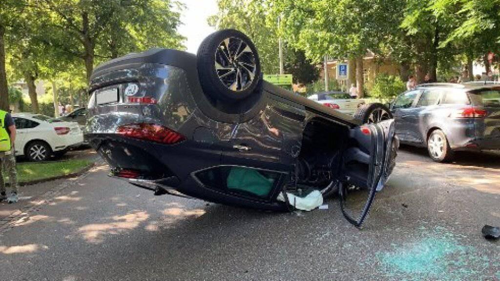 Zwei Senioren bei Autounfall in Basler Innenstadt verletzt