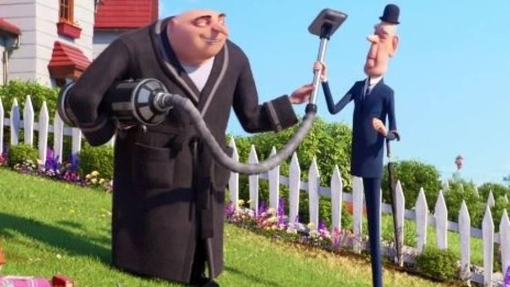 """In """"Ich - Einfach unverbesserlich 3"""" spricht der Schweizer Comedian Marco Rima den Butler Fritz (r). So dünn wie dieser Spargel ist Rima zwar nicht. Aber er arbeitet dran. (zVg)"""