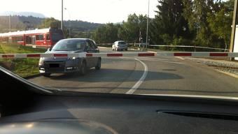 Verkehrte Welt beim «Bipperlisi»-Bahnübergang in Aarwangen