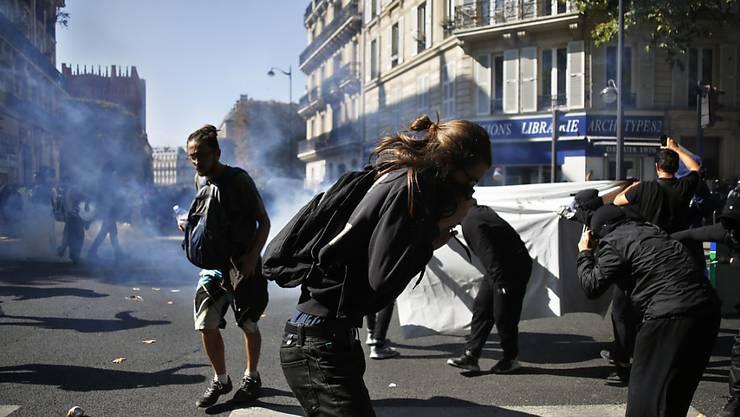 Ausschreitungen und über 100 Festnahmen: In Paris fanden am Samstag gleich drei Demonstrationen statt.