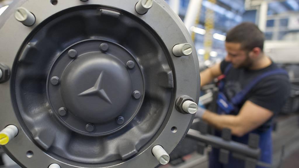 Daimler spaltet sich auf und bringt Lastwagen-Sparte an die Börse