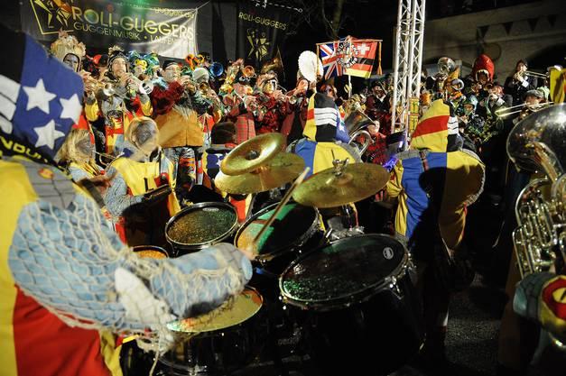 Mosterkonzert 200 Guggenmusiker aus Deutschland, der Schweiz und Grossbritannien liessen die Codmananlage erzittern