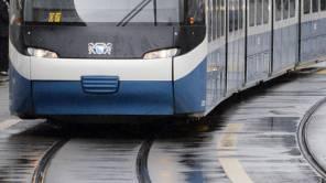 Der Unfall ereignete sich, als ein Tram der Linie 3 bei der Haltestelle Hubertus. (Symbolbild)