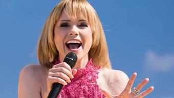 Auftritt mit blonder Perücke: Schlagersängerin Francine Jordi musste sich wegen Brustkrebs einer Chemotherapie unterziehen. (Archivbild)