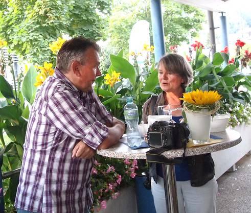 Auch die Presse war vertreten und lobte das feine Gränicher Gwärb-Risotto. Auf dem Bild Markus Schenk vom Landanzeiger und Erika Lüscher vom Gränicher Dorfblatt.