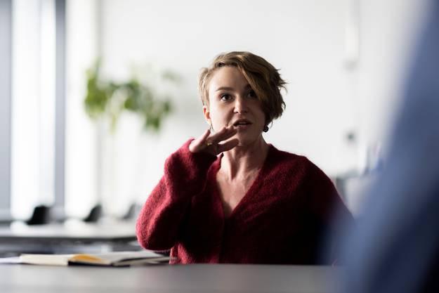 Irène Kälin während des Interviews mit der AZ.