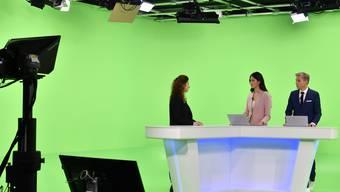 Moderatoren Simone Stern und Reto Scherrer beim Sendestart von Blick TV