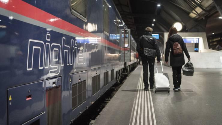 Ein Nightjet der Österreichischen Bundesbahnen im Bahnhof Zürich vor seiner Fahrt nach Hamburg. (Archivbild)