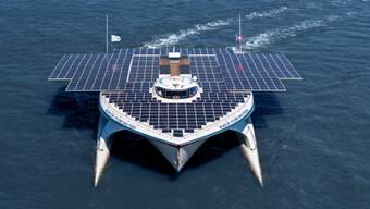 Die Lausanner Stiftung Race for Water schickt den Solar-Katamaran auf eine neue Kampagne gegen die Verschmutzung der Weltmeere.