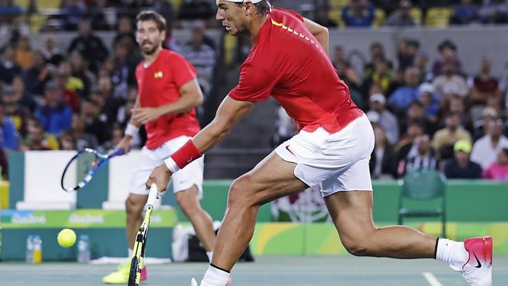 Eine erste Goldmedaille auf sicher: Rafael Nadal (vorne) gewann mit Marc Lopez das Olympia-Doppel