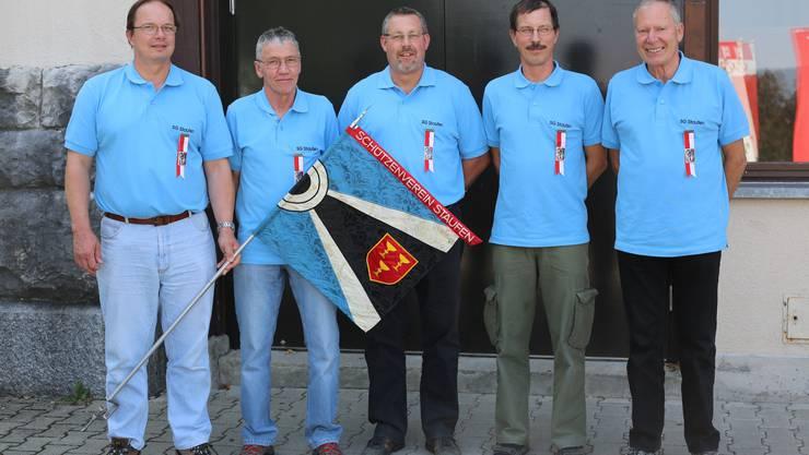 Auf dem Foto sind die folgenden 5 Schützen mit dem begehrten Kranzabzeichen zu sehen (vlnr): Stefan Mathis, Heinz Dossenbach, Martin Hodel, Matthias Wyder und Severin Furter.