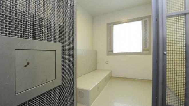 Im Ausschaffungsgefängnis Bässlergut gibt es 73 Haftplätze, darunter Sechser- bis Einzelzellen für Disziplinararreste. Foto: Kenneth Nars